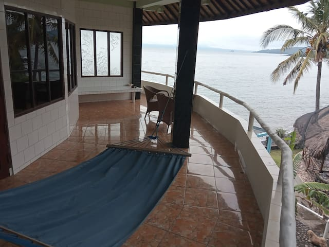 Bungalows and rooms, sea view and AC,  2 persons