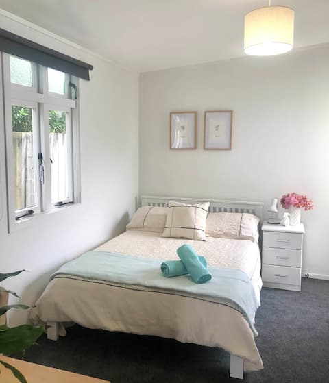 Airy Private Room Three Kings/Mount Roskill
