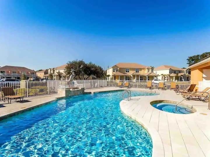 Charming Cozy House Private Pool - Close to Disney