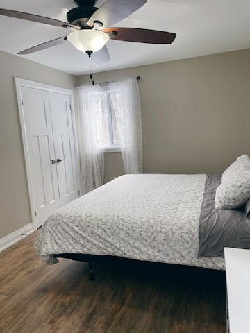 Bedroom 3: Master King, walk-in closet, AC, bedding, curtains and dresser. 1 bunkbed. Located on the upper level.