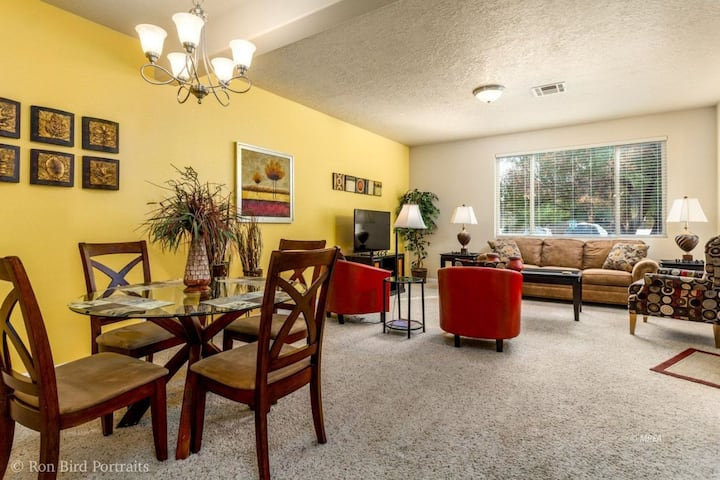 Bill & Phyl's 4 Bed Mesquite Golf and More Getaway