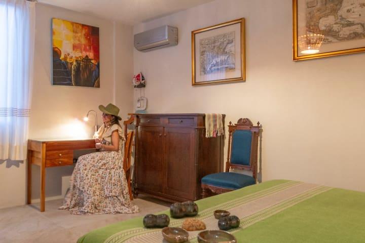 Carlotita Room