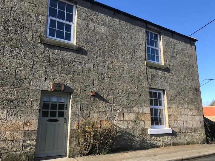 Thorne Cottage - Heart of Northumberland