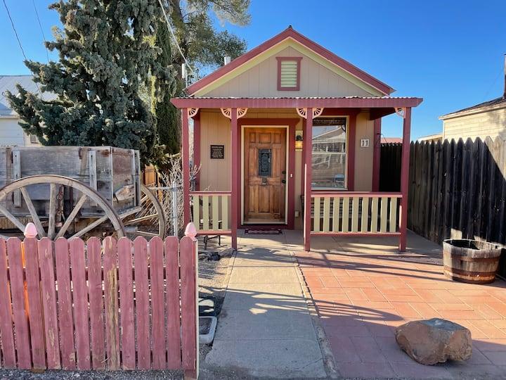 Historic Log Home for Rent Tombstone, Arizona!