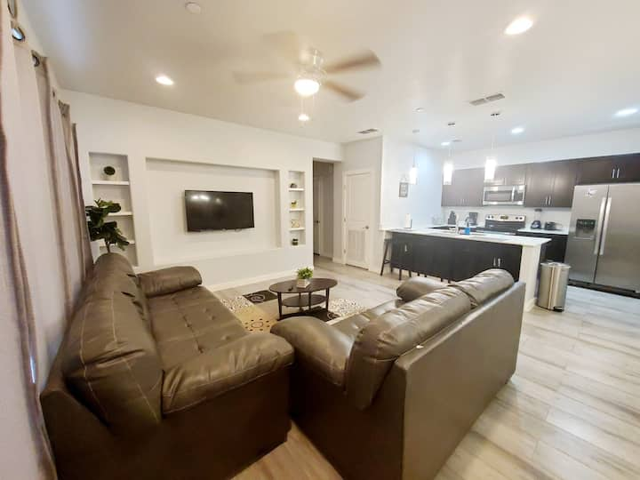 Beautiful Furnished Apartment  2 bed/ 1 bath