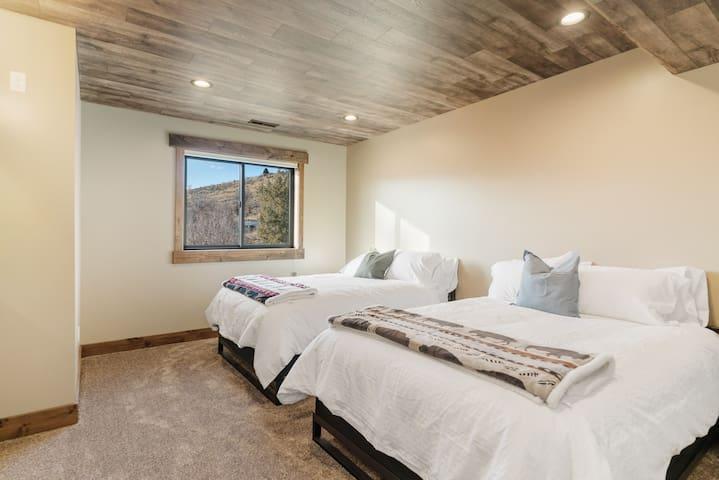 Second Bedroom - Two Queen Beds.