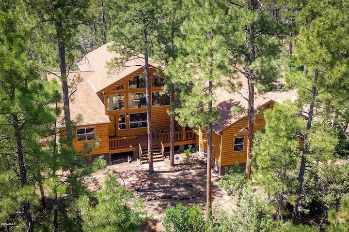 NEW! Perfectly private cabin-great for all seasons