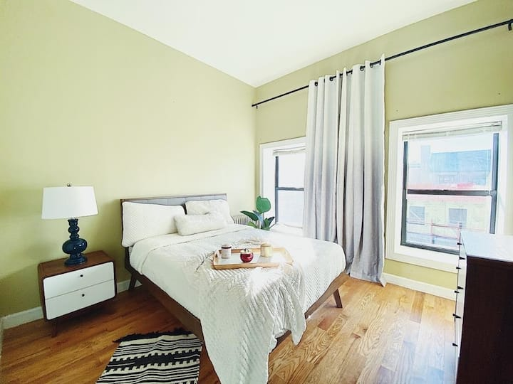 Large Clinton Hill room, 19 min to Manhattan