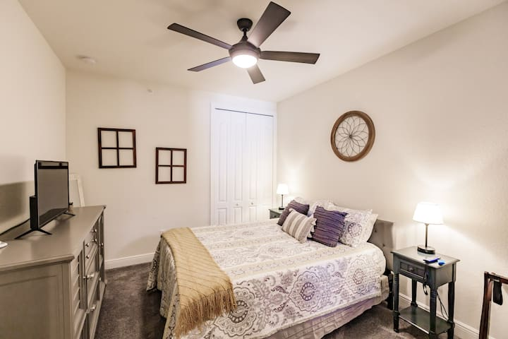 Guest Bedroom with Queen Size Bed Includes smart television