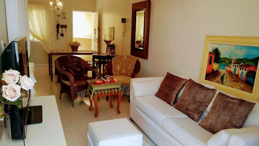 Apartamento no Mar Grosso à 300 m da praia