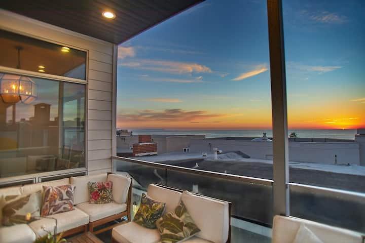 Luxury Beach Townhouse with Panoramic Ocean Views