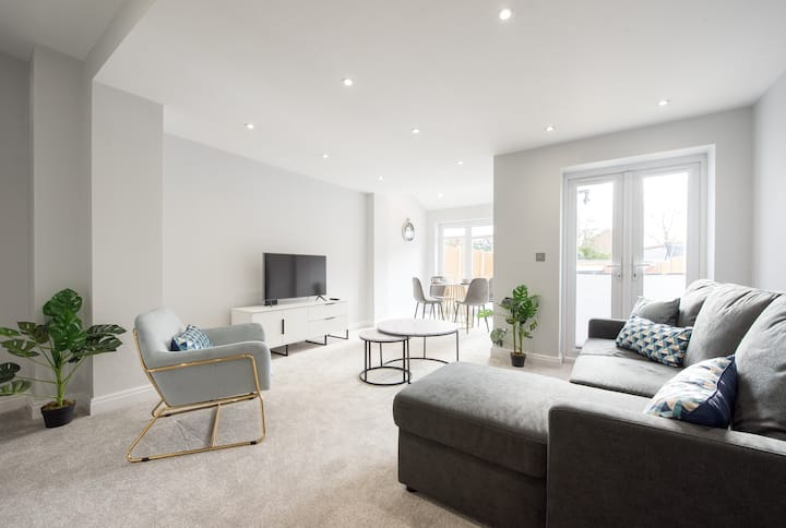 1 Bed Apartment Romford by Space Apartments