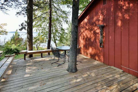 Sunset Retreat cozy cabin on Grindstone lake