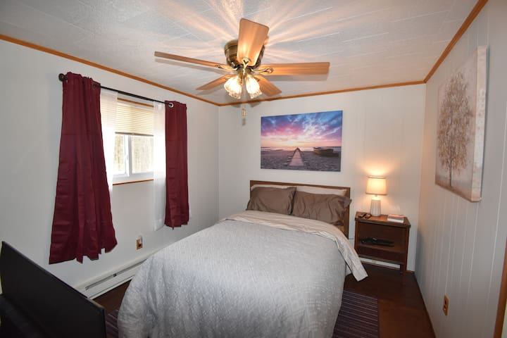 Full Bed - This room has a flat screen TV
