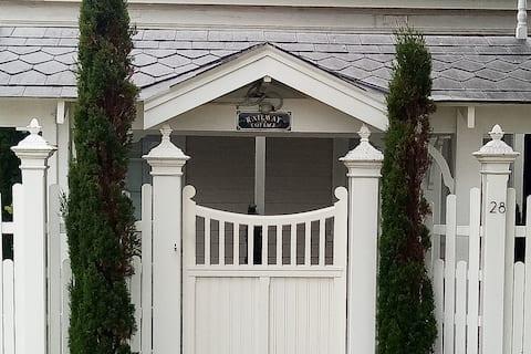 Railway Cottage Beach Port - Guards Suite