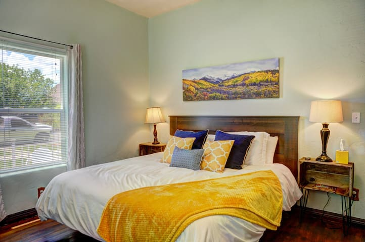 The Colorado Room is spacious and has a memory foam King size bed. Aside from two steps to the front door, the entire house is on the first floor.