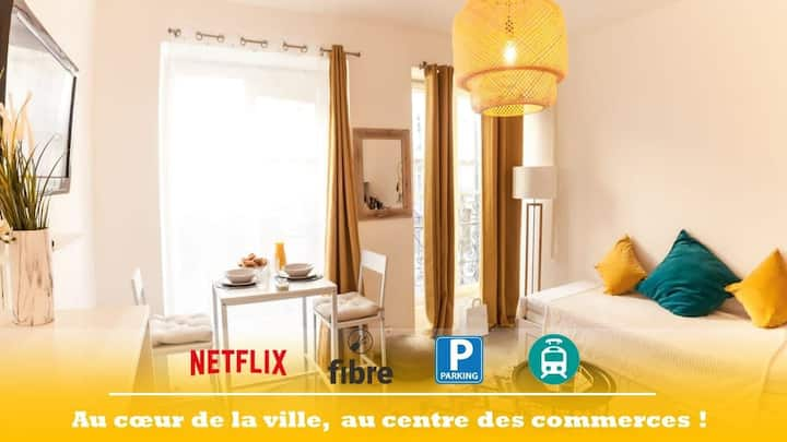 "Studio LUXE au  ❤  de Marseille "" PARKING PRIVE """