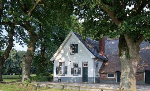 Authentieke Herberg Lodge met houtkachel