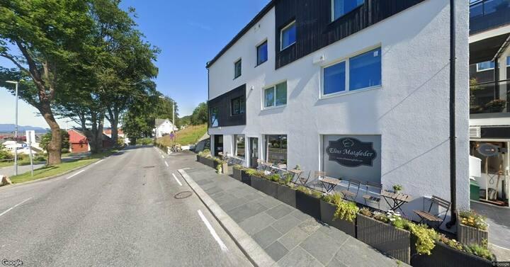 Koselig studioleilighet i Rosendal sentrum