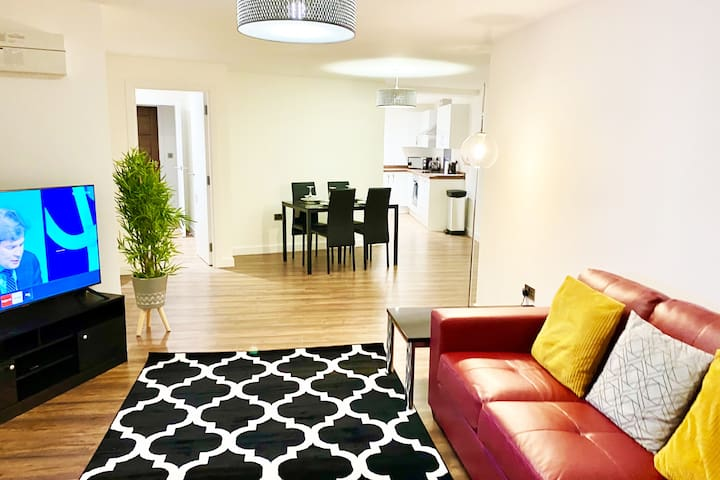 Amazing 2 Bedroom Apartment, Coventry City Centre