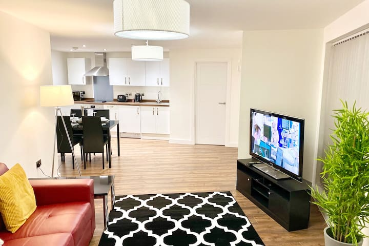 Exquisite 2 Bed Apartment, Coventry City Centre