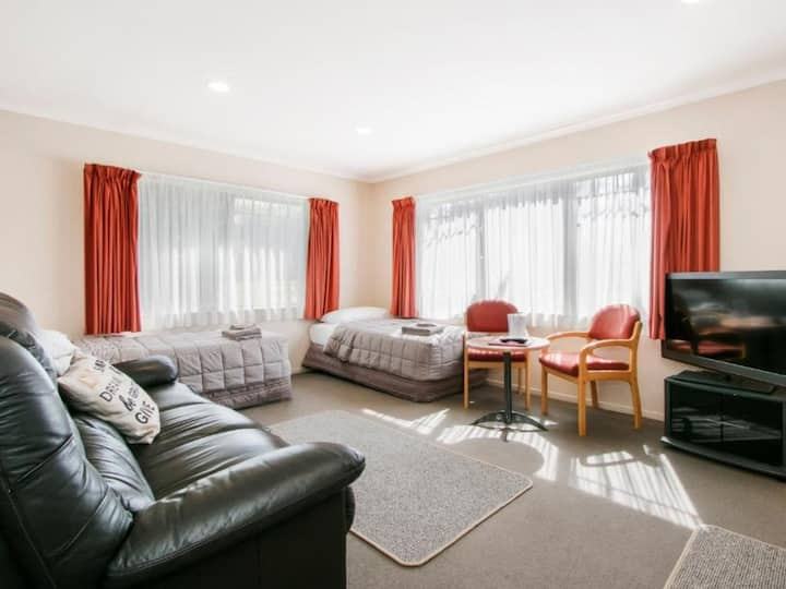 Family Two Bedroom at Asure Kaimai View Motel