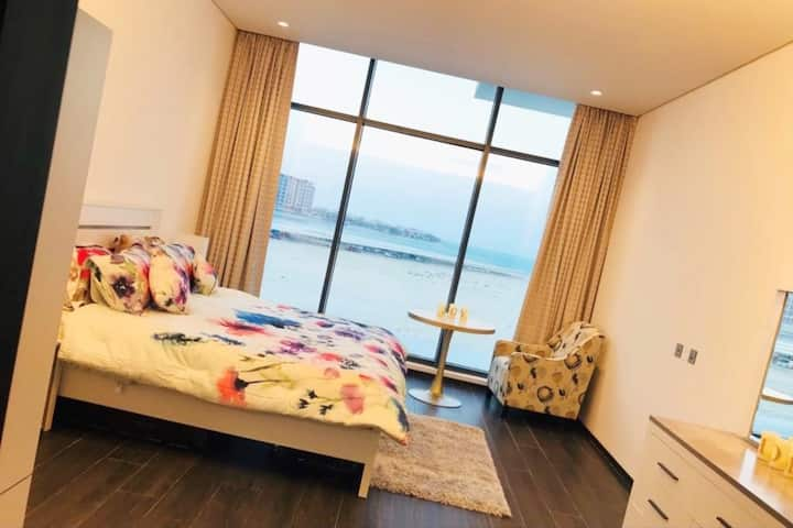 Luxury one bed apartment with sea view at Reef