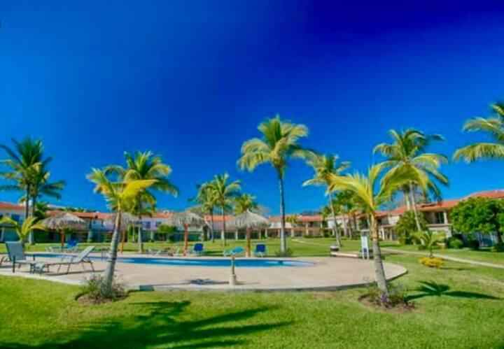Hermosa Villa en coto exclusivo con frente al mar
