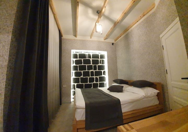 DOUBLE ROOM at JINJOTEL Breakfast included