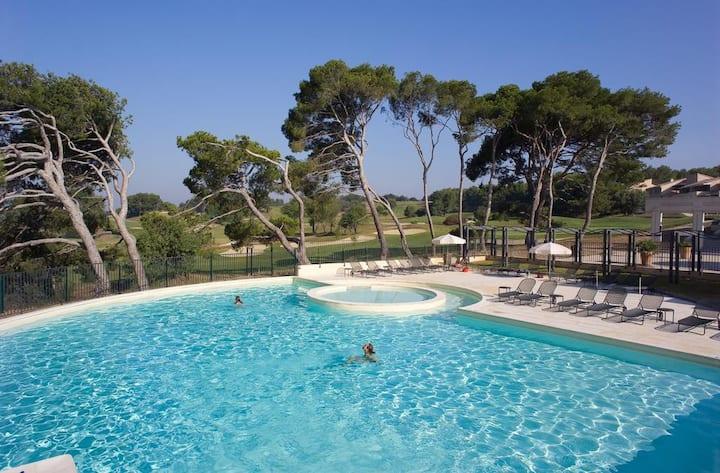 Résidence standing Golf de Saumane-piscine, tennis