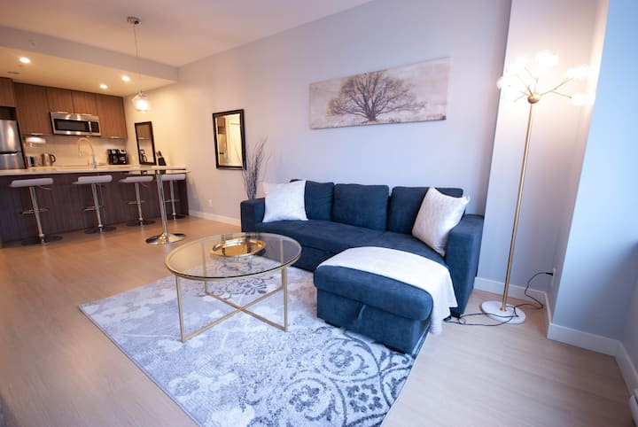 Styled & Clean 1Bed/1Bath With Parking