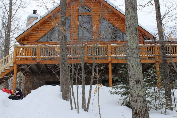 Log Cabin Lake House - Nelson Lake, Hayward, WI