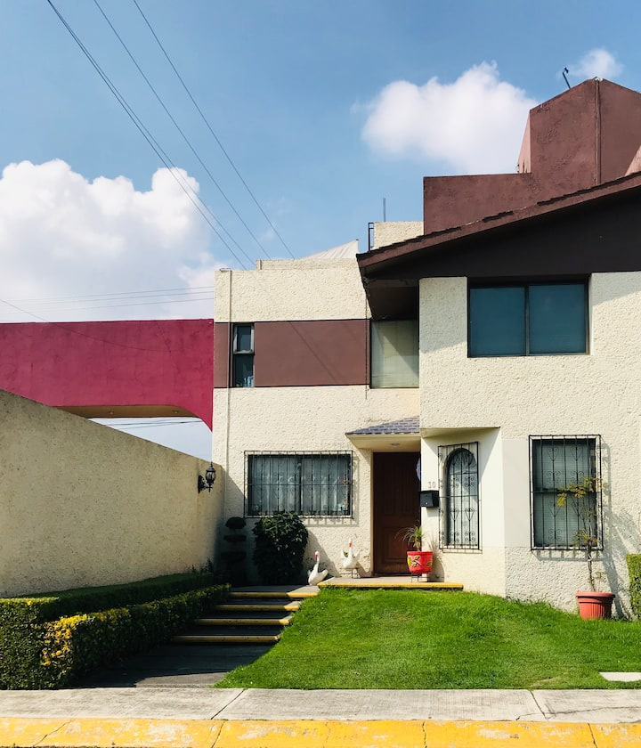 Habitación bien ubicada en residencial