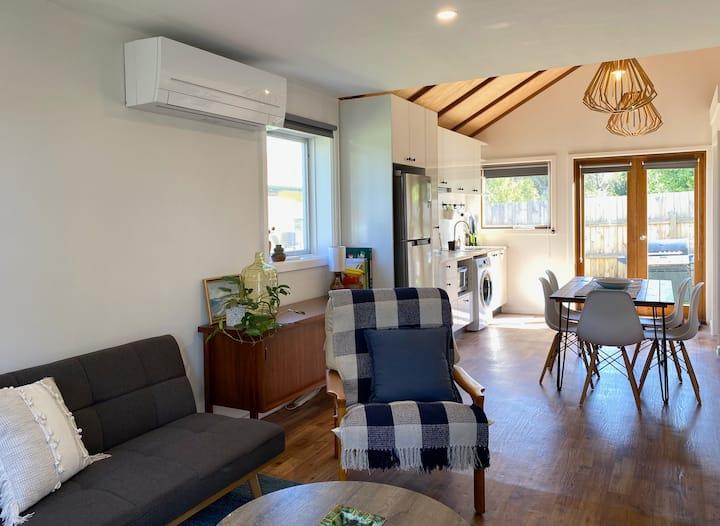 SeeApollo - Cottage - Single Bedroom