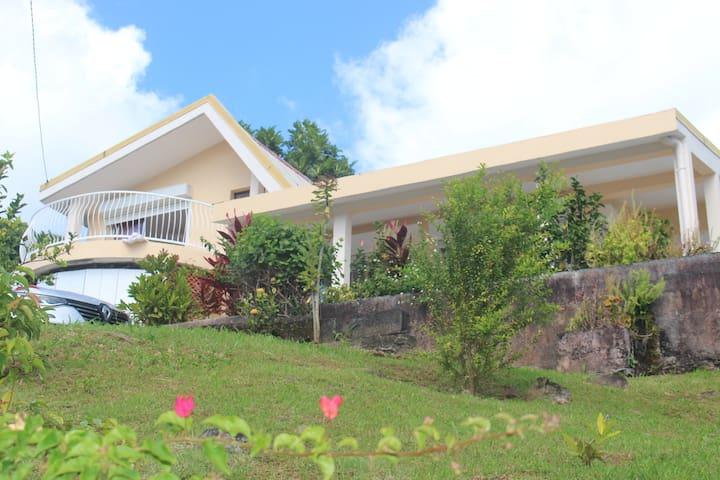 Villa  vue mer et montagne, 3 chambres, 2 SdB