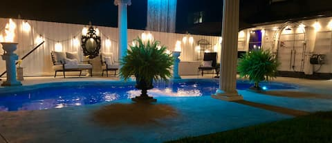 The Pool House Suite