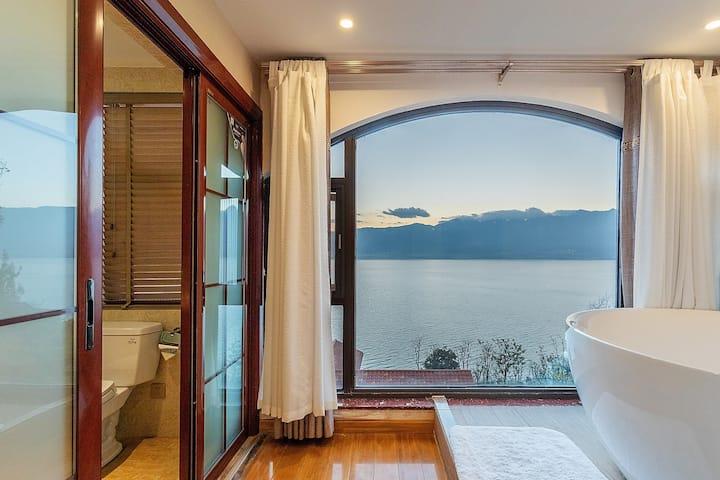 高品质海景落地窗大床房/有阳台晒太阳/有浴缸—有可口早餐/可接送机场—多个超大公区任意看海