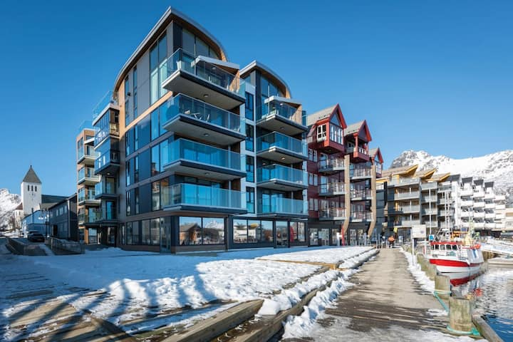 Svolvær Harbour: High-end apartment with sea views