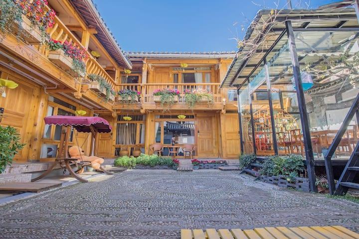 (每日消毒)丽江古城新中式标准双人间,有空调,免古城维护费,免费店员攻略建议