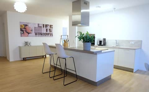 Stylisches Zimmer in moderner Wohnung in Mainnähe