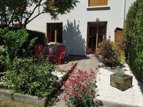 Appartement rez-de-jardin montée de l'alpe d'Huez