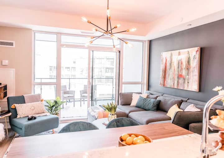 *FULLY STOCKED*INSTA-WORTHY 1BR/KING W/POOL VIEW