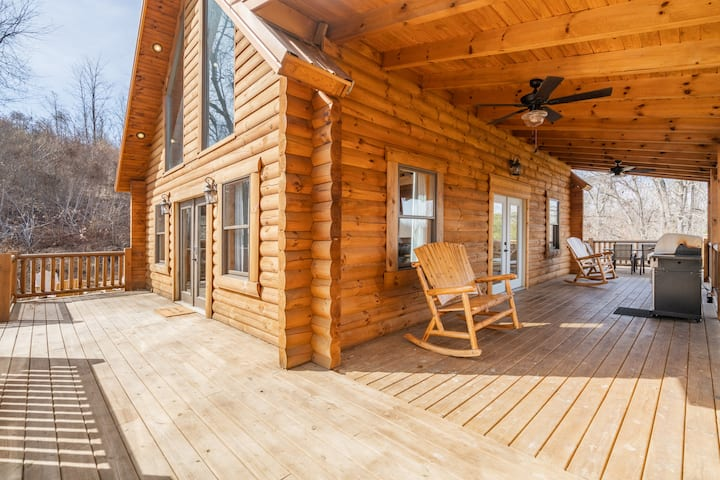 ♡ of Hocking Hills Cabin ~ Close to Caves, w/Wifi