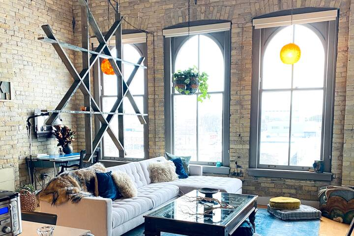 Stunning loft with incredible Southern view of MKE