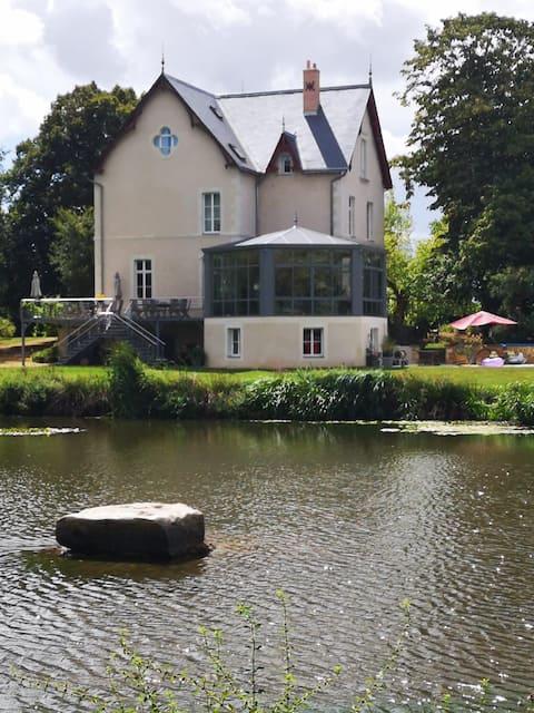 Logement avec vue sur l'étang