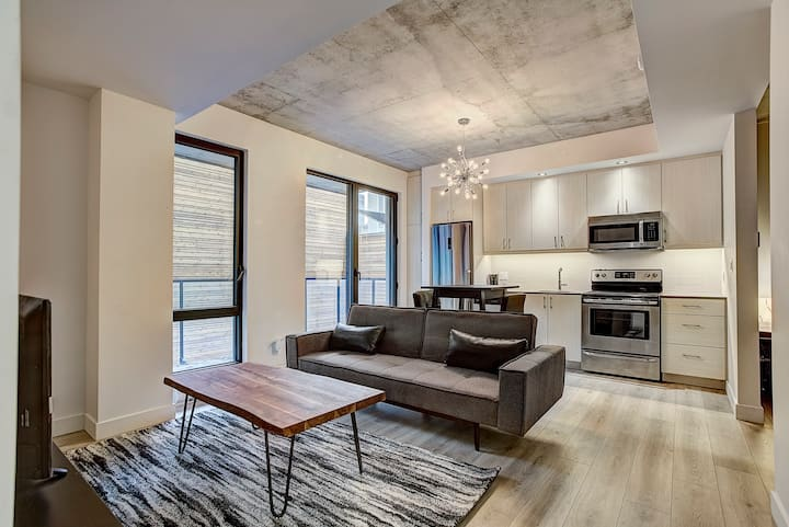 ★★★★★ Exciting Downtown Montreal Loft /w gym A1
