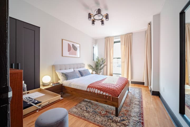 Fully-Funished Room in Sunny Hamilton Heights