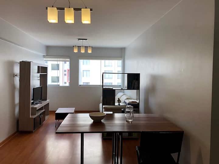 Habitación en dpto. céntrico, acogedor y nuevo!
