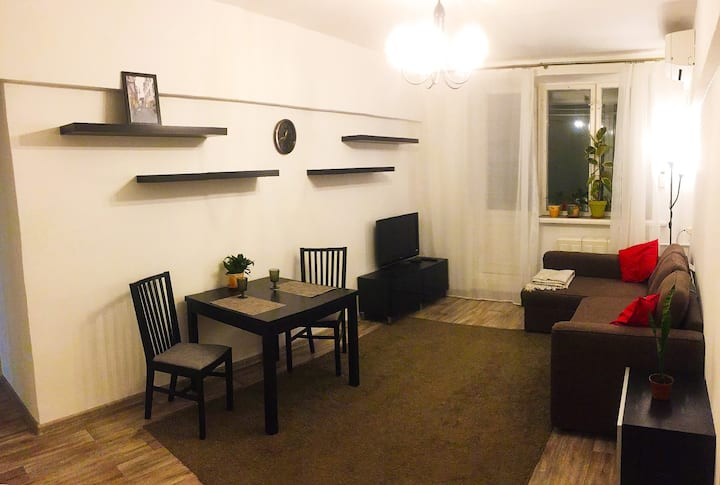 2 rooms apartment in a quiet area near the center