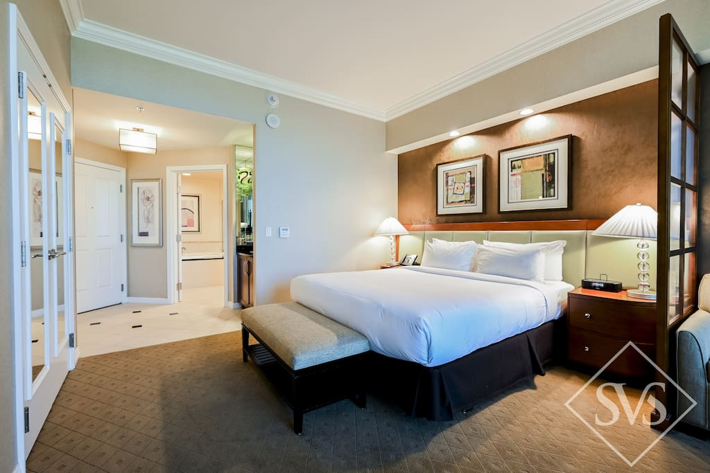 2 Connecting Suites at Park MGM Las Vegas by Suiteness